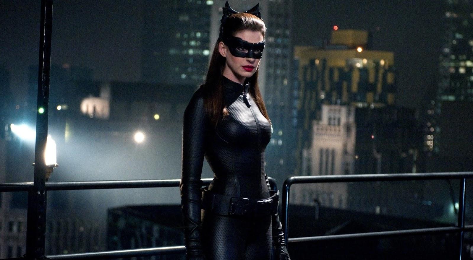 Anne Hathaway gostaria de voltar a interpretar a Mulher-Gato nos cinemas