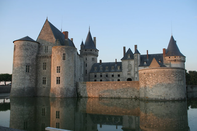 Zamek w Sully-Sur-Loire
