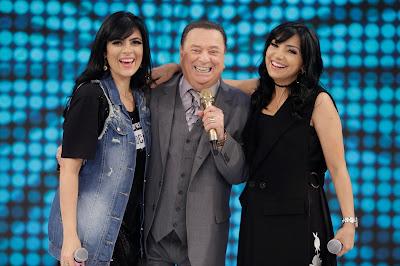 As cantoras com Raul Gil (Crédito: Rodrigo Belentani/SBT)