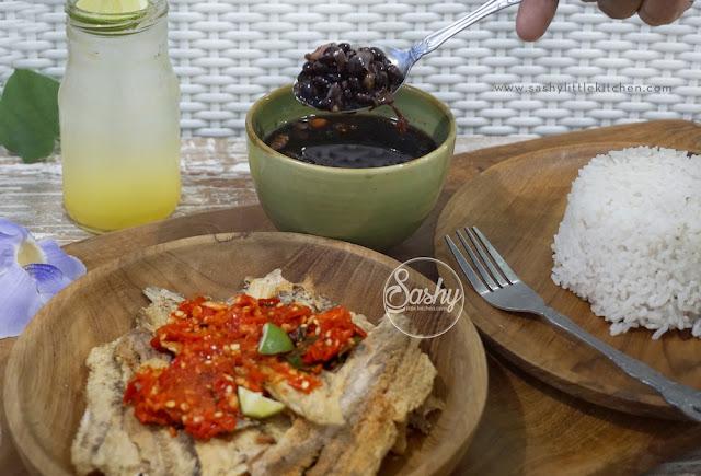 Jukut Undis dan Sudang Lepet (Kuliner khas Buleleng, Bali)