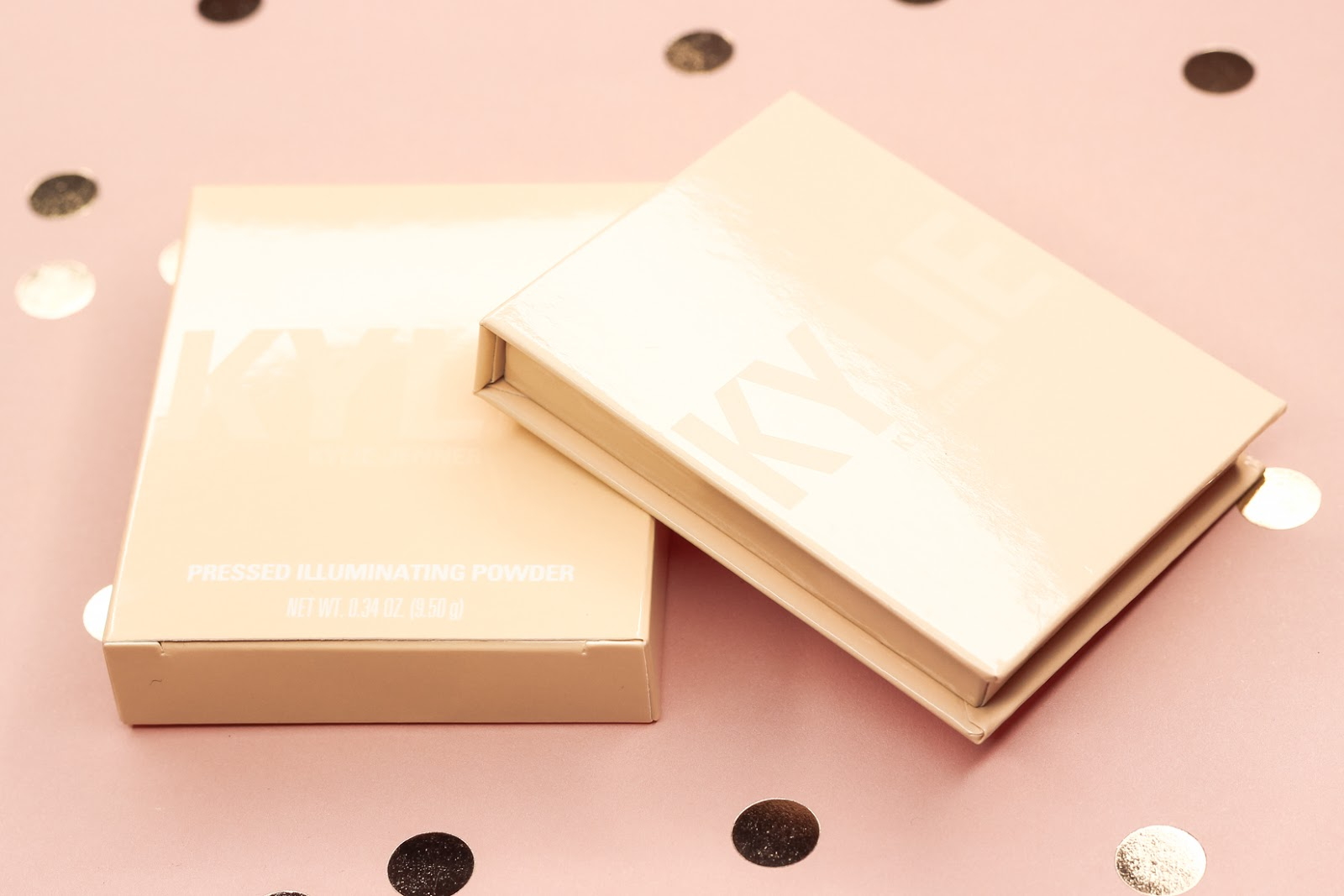 Review│Kylie Cosmetics Kylighter Pressed Illuminating Powder In French Vanilla