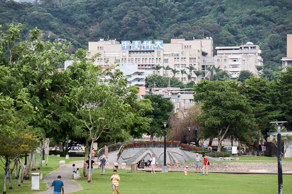 台中北屯|新都生態公園|生態池|陽光草坪|野餐|放風箏|親子同遊好去處