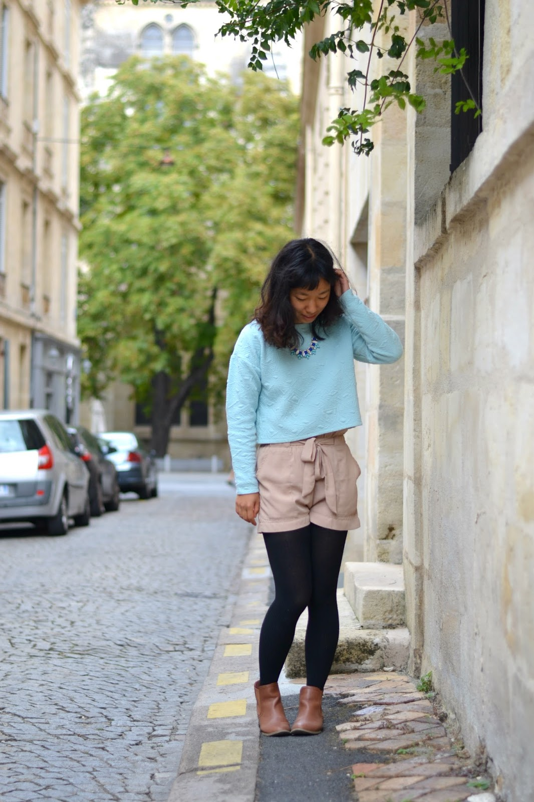 college style, fall transition outfit, study abroad style