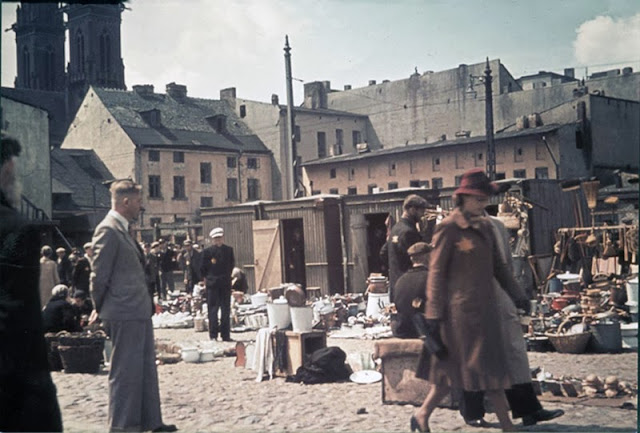 Rare Color Photos Of Daily Life At The Lodz Ghetto In The
