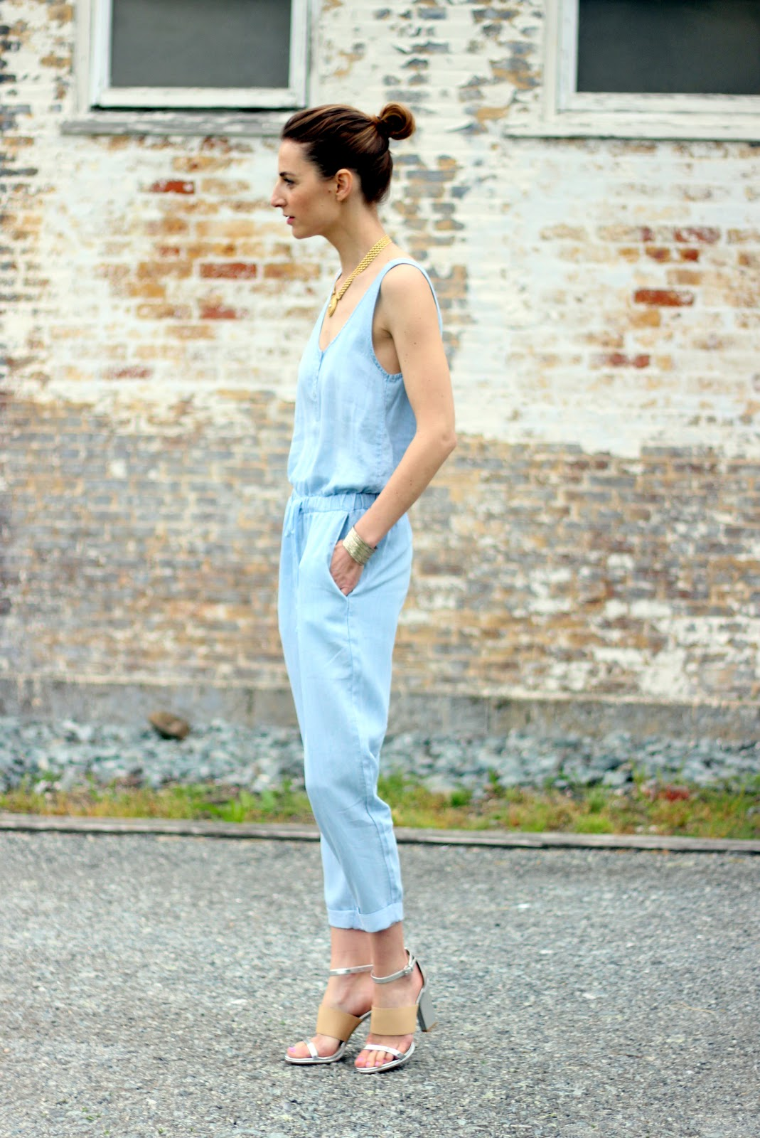 Jess Ann Kirby, Prosecco and Plaid, chambray jumpsuit, french connection metallic heels
