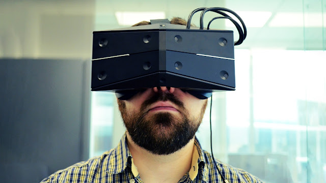 What is the difference between enhanced reality, virtual reality and mixed reality? 1
