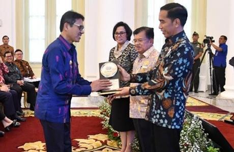 Terima Anugerah Dana Rakca dari Presiden, Irwan Prayitno: Menunjukan Kinerja Keuangan Kita Baik