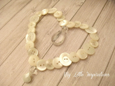 Ghirlanda cuore di bottoni e goccia di cristallo - insieme- My Little Inspirations