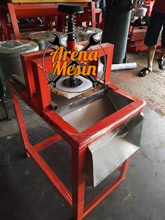 Mesin Pencetak Nugget Manual