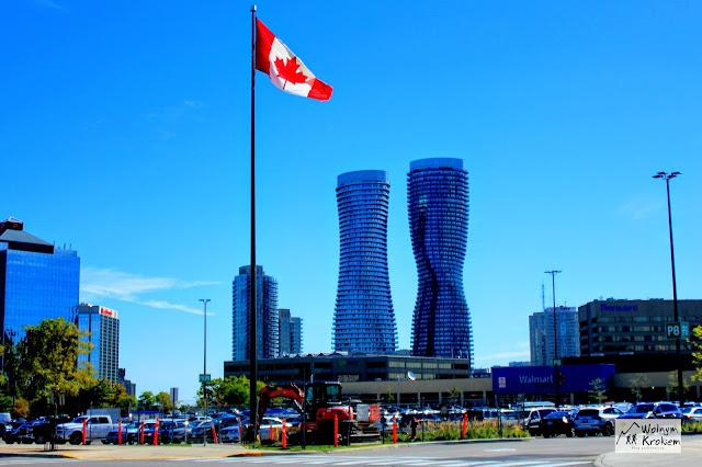 Marilyn Monroe Skytowers - Mississauga, Ontario (GTA)