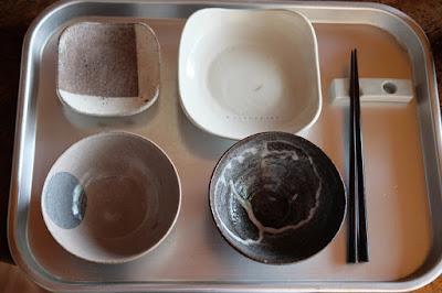 生坂村の陶芸家 中川ひとみ・月日工房 お茶漬けセットの器イメージ