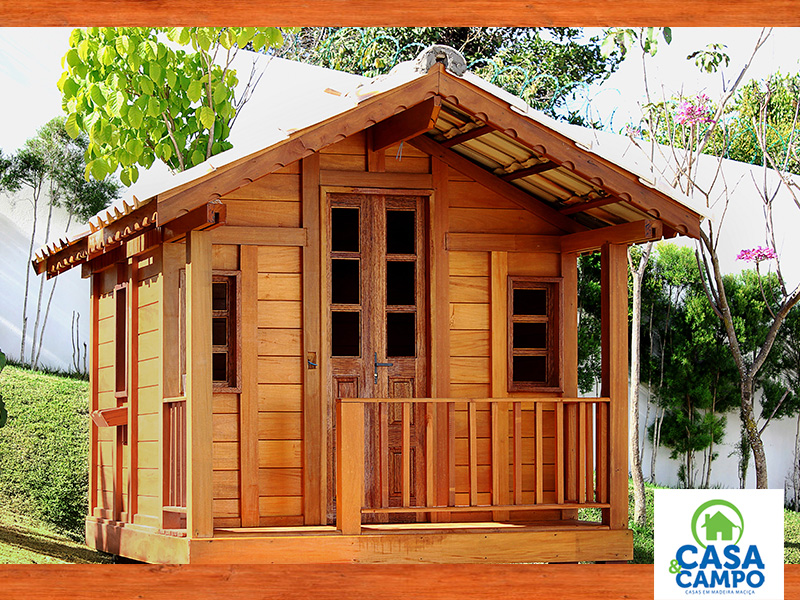 When we heard about wooden houses, we may think these are traditional kind of house like the Bahay Kubo! Nothing is wrong about it since wood is a traditional building material. But there are totally modern houses nowadays that are made of woods.   The wood itself is a unique and refreshing material we can use in building our house. Each one comes in different color, textures, and pattern. With that, every house that is made of wood becomes a unique work of architecture. There is a certain kind of warmth and comfort that wooden houses bring. Aside from the fact that wood is a perfect material for your dream rest house in the countryside, it can make a great modern home too. Let us show you how wood creates unique designs with these 37 houses in different sizes and styles. All beautiful photos are a credit to Casa e Campo in Brazil.