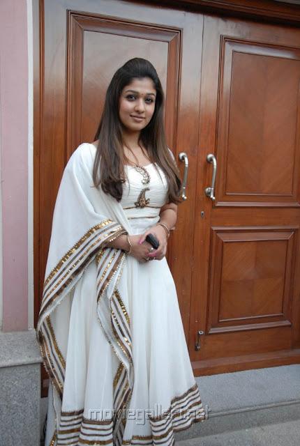 Nayanthara in Salwar Kameez Photos - Ammayi Spicy Photos