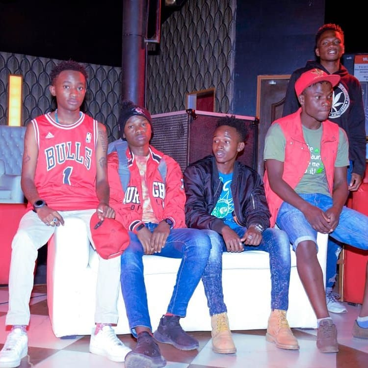 Ethic Swat Mtoto Wa Eunice Zilla Rekless Saba The group has risen above management issues and the pressure exerted upon them by the unexpected success of their first major project to release another equally catchy song that had the professional touch Lamba Lolo so much lacked.  Saba is shot in a club and as you will quickly notice, Swat mtoto wa Eunice has finally had a Wardrobe update. He was wearing a Chicago Bulls jersey and it is better than the Maji ya Mchele tee he rocked on Lamba Lolo.