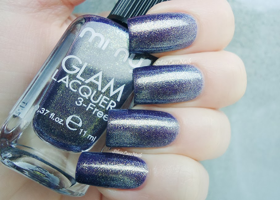 http://silvialacenails.blogspot.it/2013/12/tape-gradient-nail-art-for-new-years-eve.html