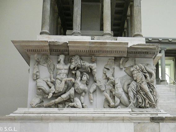 Detalle del Altar de pergamo. Museo de pergamo en Berlin