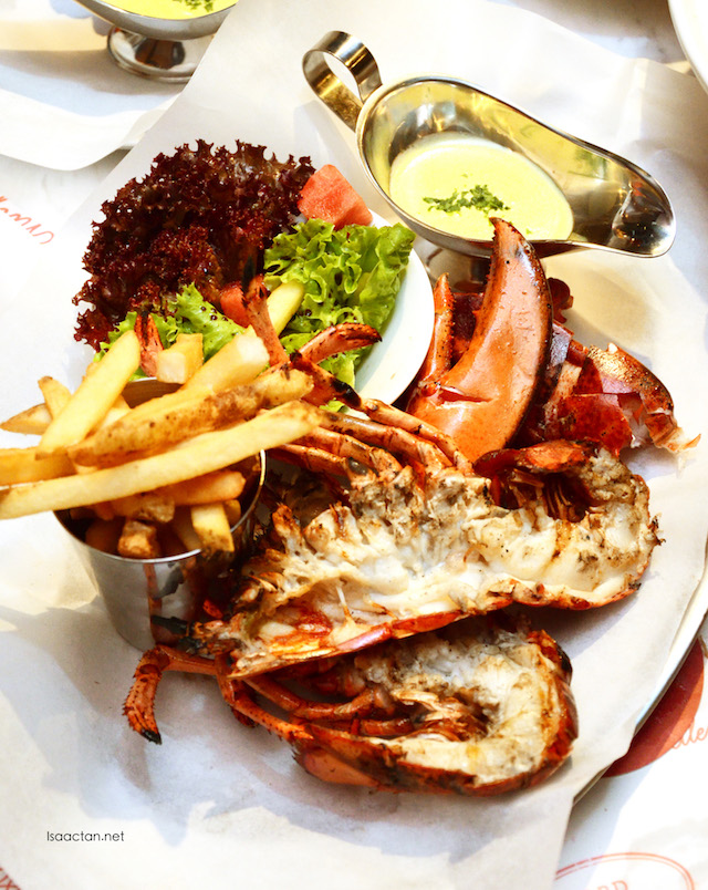 Live whole lobster (Grilled) - RM158++