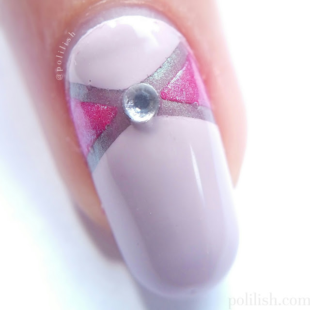 Simple bow nails with striping tape (macro), by polilish