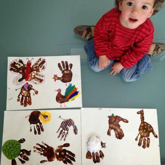 Manualidad infantil pintar animales huella mano