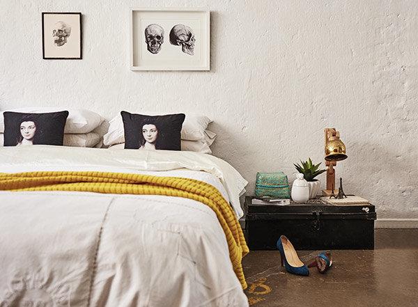 cama con sabanas antiguas de la india chicanddeco