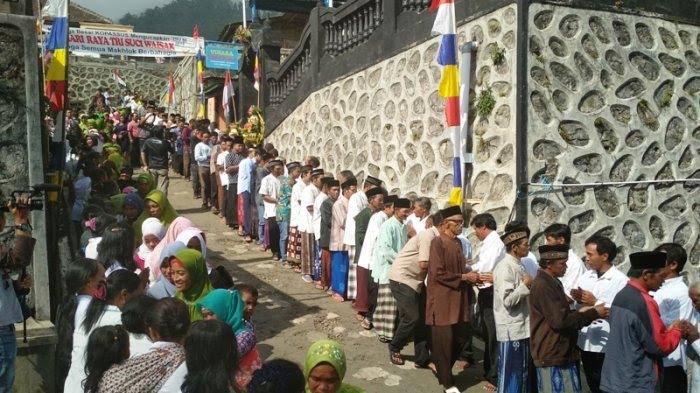 Rayakan Waisak, Umat Budha Tekelan, Kabupaten Semarang, Bermaafan dengan Pemeluk Agama Lain