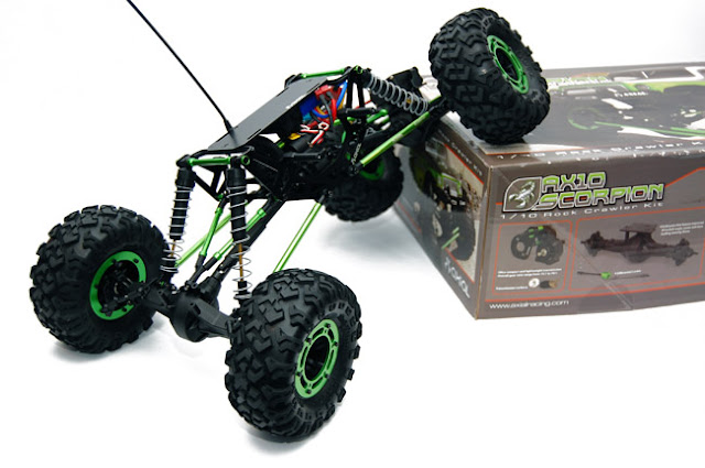 Axial AX10 Scorpion box crawling