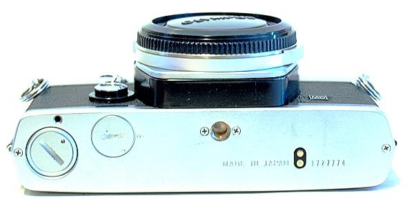 Olympus OM-1n, Bottom