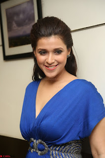 Mannara Chopra in Short Blue Dress at Rogue Movie Teaser Launch 1st March 2017 079.JPG