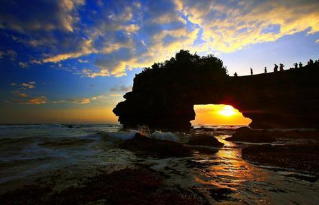 Tempat wisata pura batu bolong