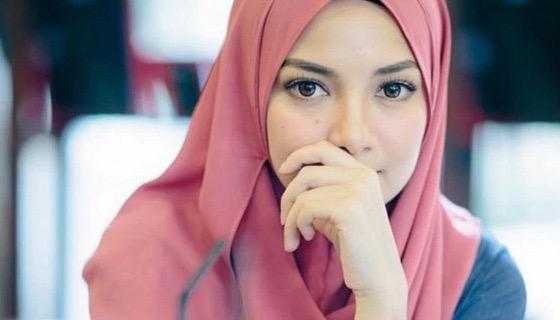 Kerana Milik Melayu, Tudung Naelofar Disekat Masuk di Singapura