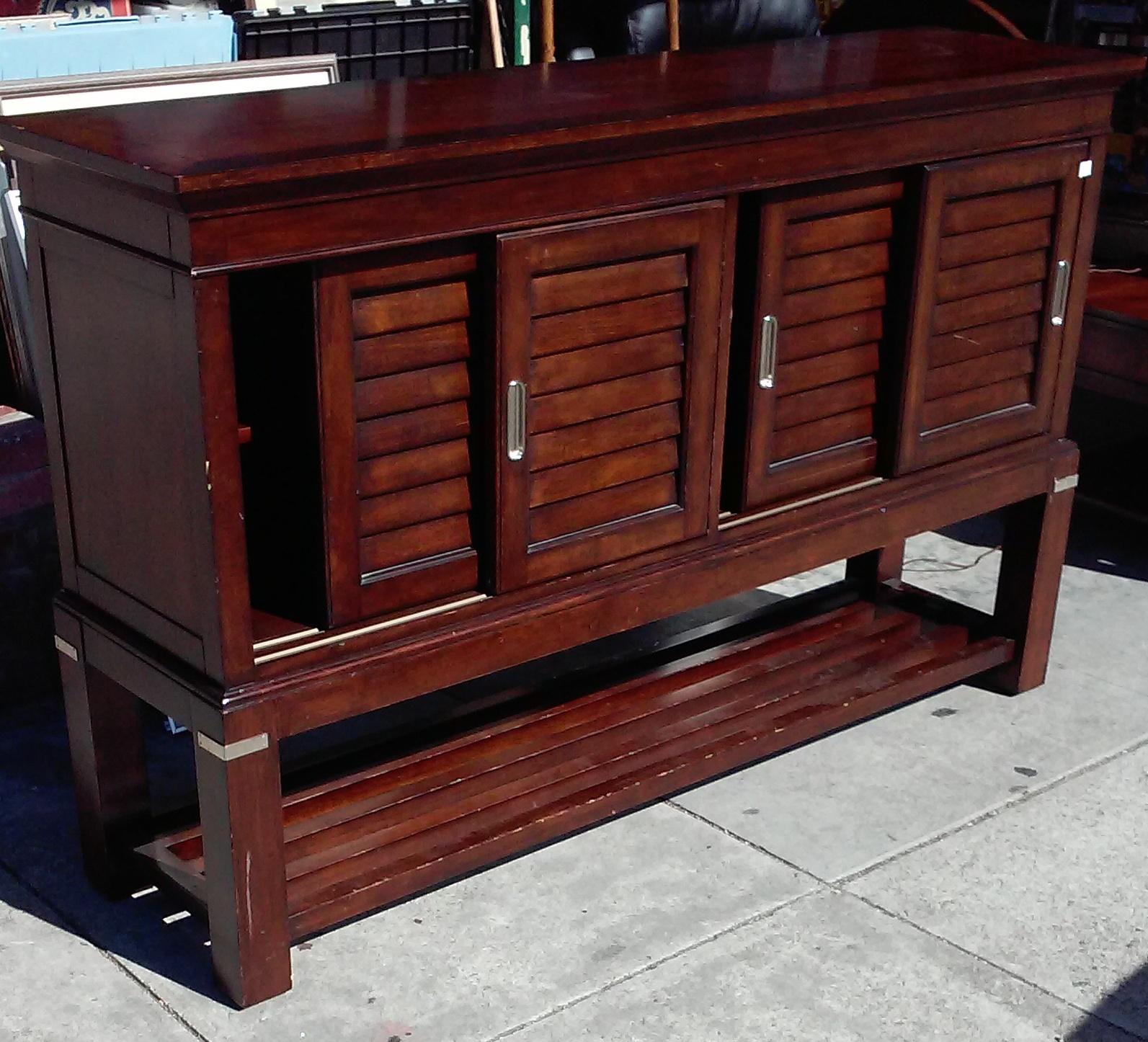 UHURU FURNITURE COLLECTIBLES 3099 5 12 Modern Asian Buffet