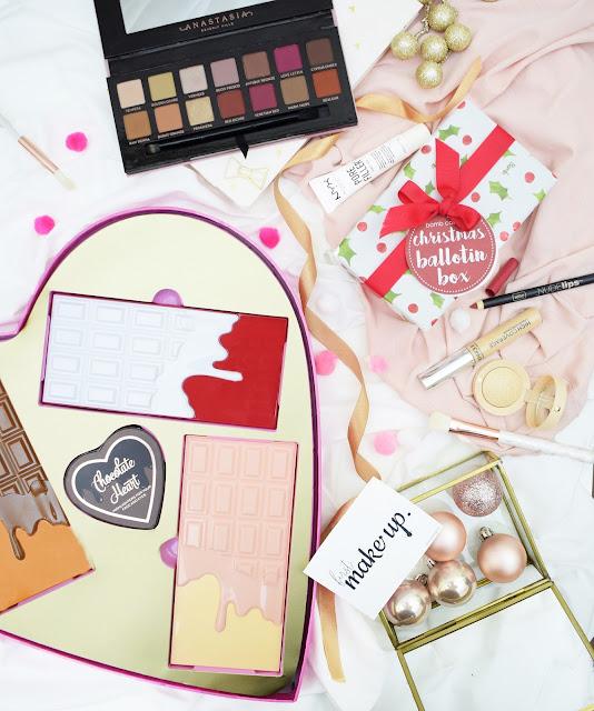 Zestawy Świąteczne - Idealna Propozycja Na Prezent Dla Kobiet - Makeup Revolution Chocolate Heart Gift Contains , Bomb Cosmetics