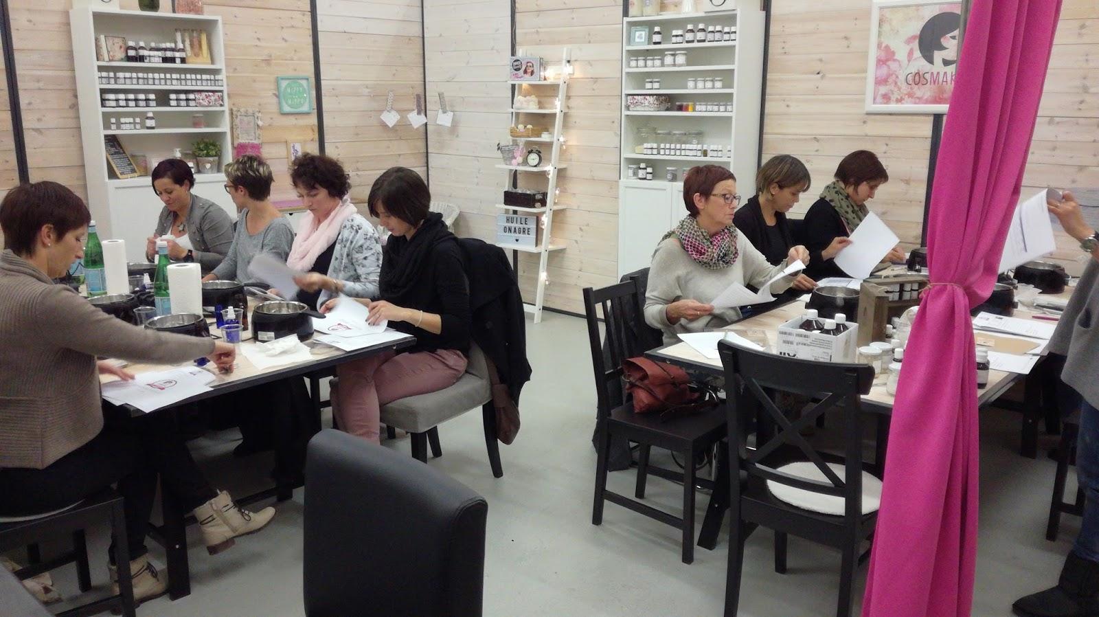 https://madamepetimin.blogspot.com/2017/12/jai-teste-un-atelier-chez-cosmaking.html