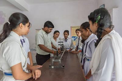 Saket girls college pratapgarh