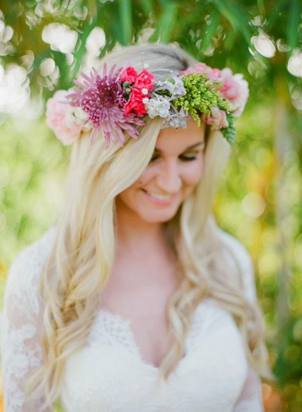 Perfect Wedding Flowers For Your Hair
