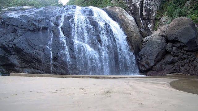 Hati-Hati : 2 Pengunjung Jatuh Dari Tebing Air Tejun Banyu Anjlok Malang