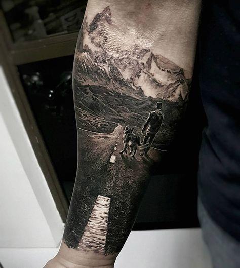 Tatuaje con excursionista