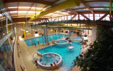 Lowcosteros spa y piscinas cubiertas ilimitadas por 8 1 for Piscina valdelasfuentes