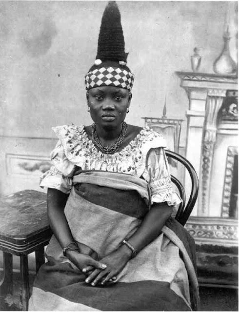 Gold Coast (Ghana) Fante fashionable woman