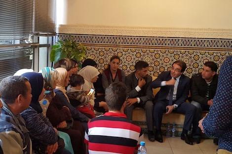 بنعتيق يستقبل أسر المحتجزين المغاربة بليبيا