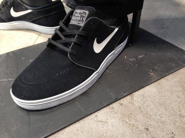best service a5fdd adfa2 Nike SB Lunar Janoski Black  White