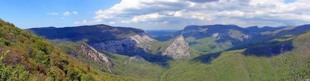 Ай-Петринская яйла - отроги горы Аю-Тешик