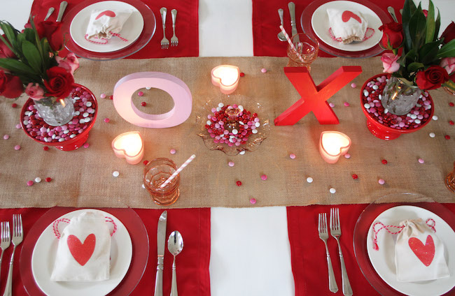 valentines-day-table-setting