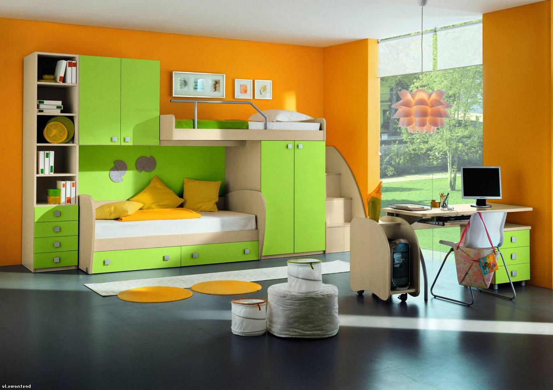 Мебель для ребенка детский уголок.