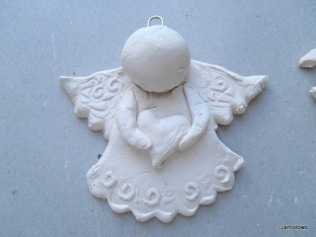 lepienie kolejnych elementów aniołka