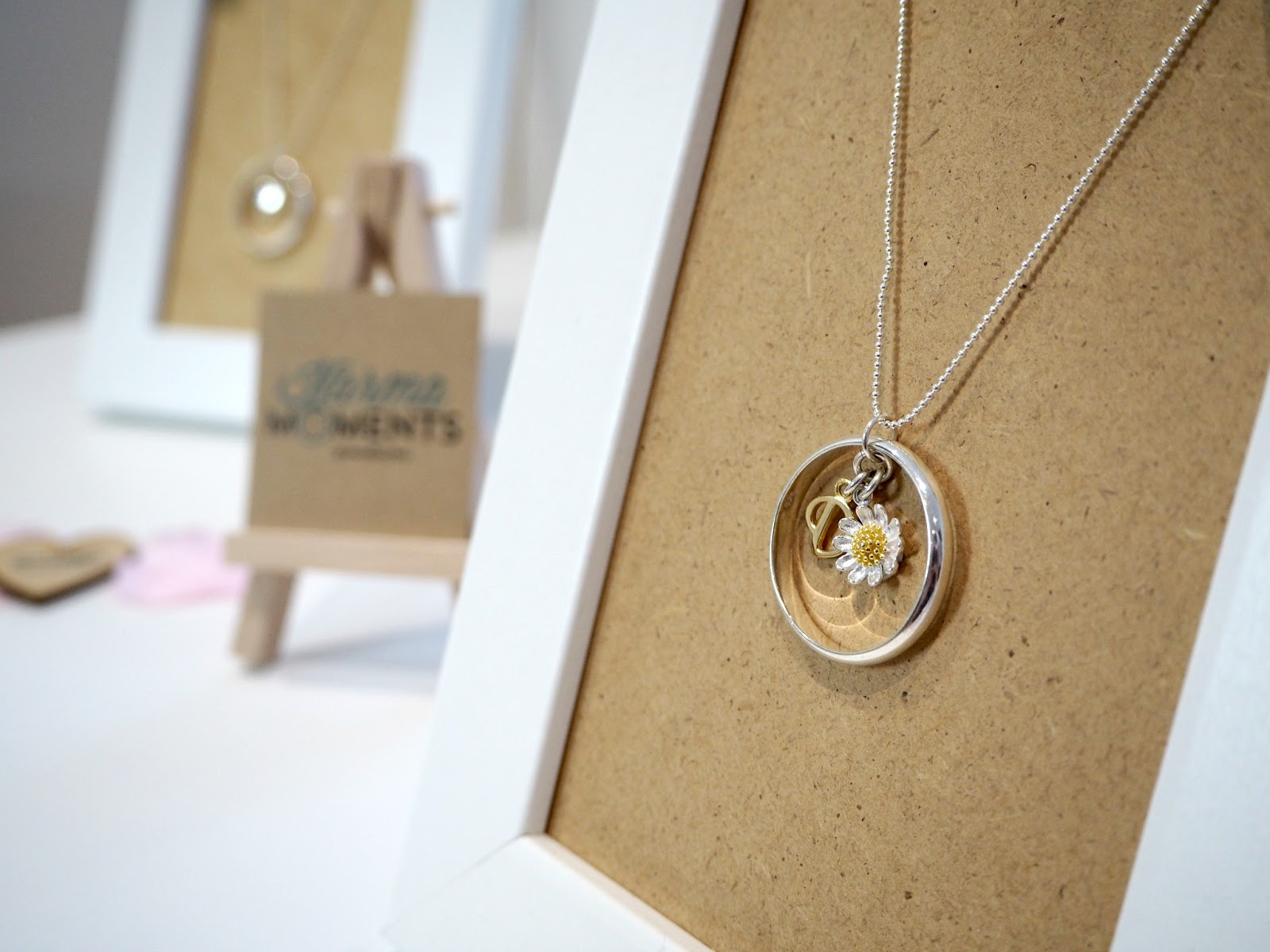 JewelleryBox Karma Moments Necklace with daisy charm