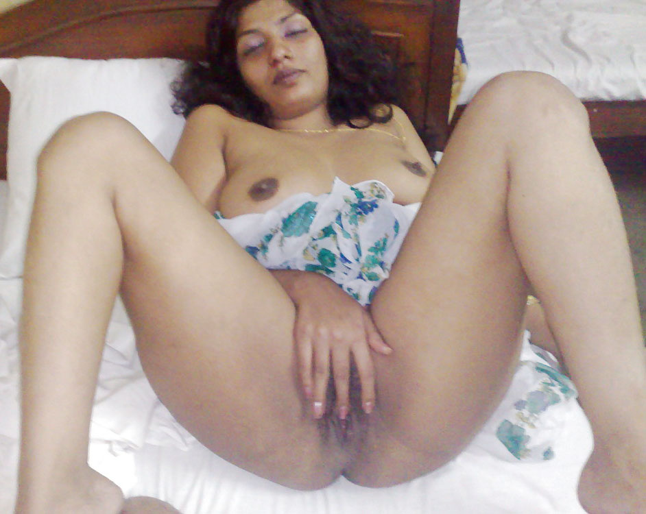 Mallu Bhabhi Naked Boobs Pussy Leaked Mms - Best Indian -8997