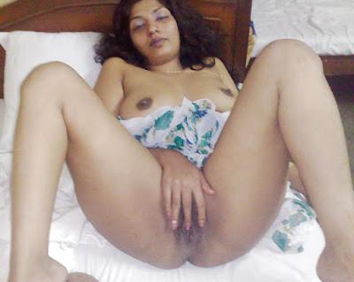 Mallu Bhabhi Naked Boobs Pussy Leaked MMS