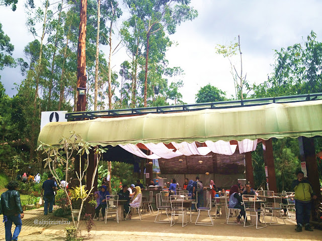 the pines cafe The Lodge Maribaya