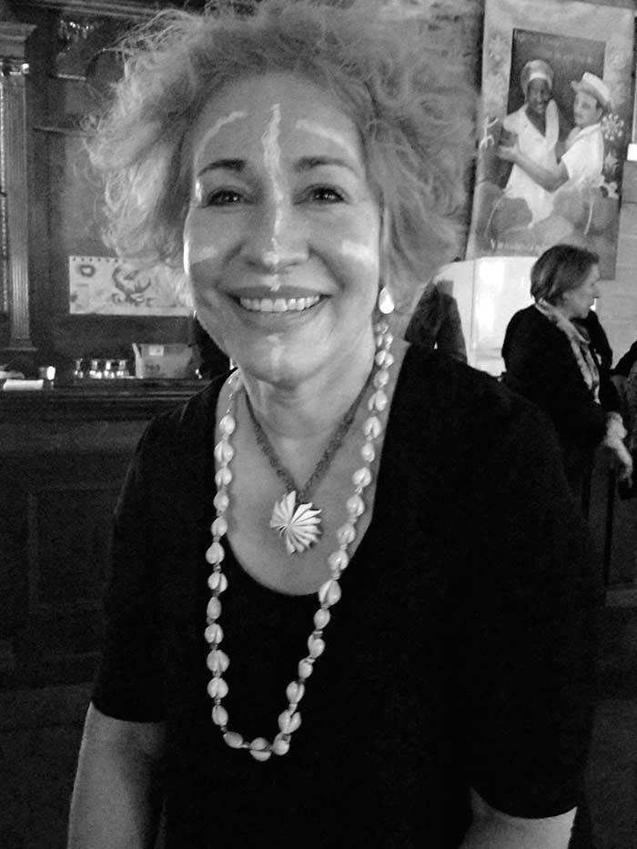 Juana Iris Gergen, autora del libro Mar de huesos